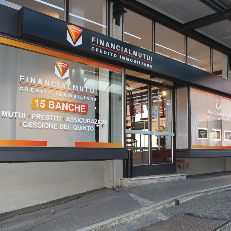 financial-mutui-varese-credito-immobiliare-foto-sede-ponte-tresa-2-new-©-2021-luisa-papa-aimaproject-sa