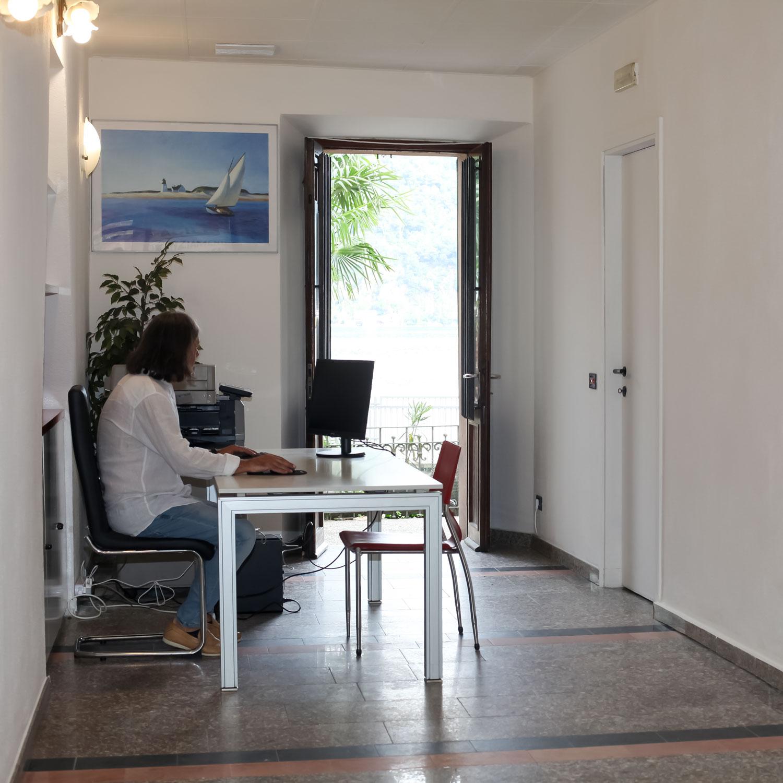 financial-mutui-varese-credito-immobiliare-foto-sede-porto-ceresio-2-©-2021-luisa-papa-aimaproject-sa