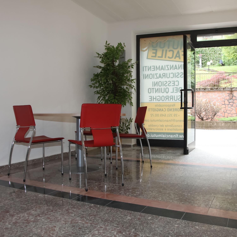 financial-mutui-varese-credito-immobiliare-foto-sede-porto-ceresio-3-©-2021-luisa-papa-aimaproject-sa