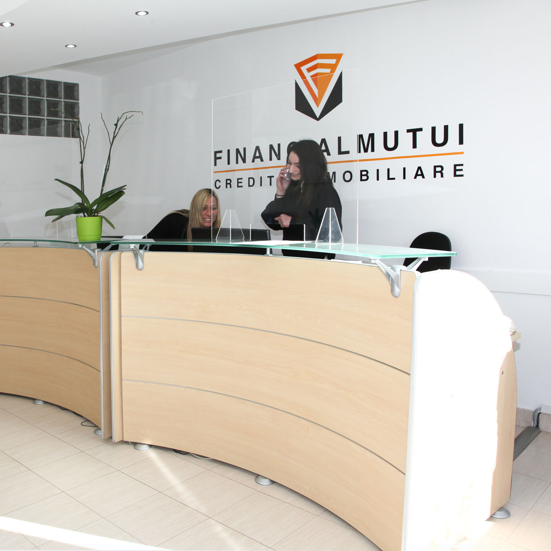 financial-mutui-varese-credito-immobiliare-foto-sede-varese-1-©-2021-luisa-papa-aimaproject-sa