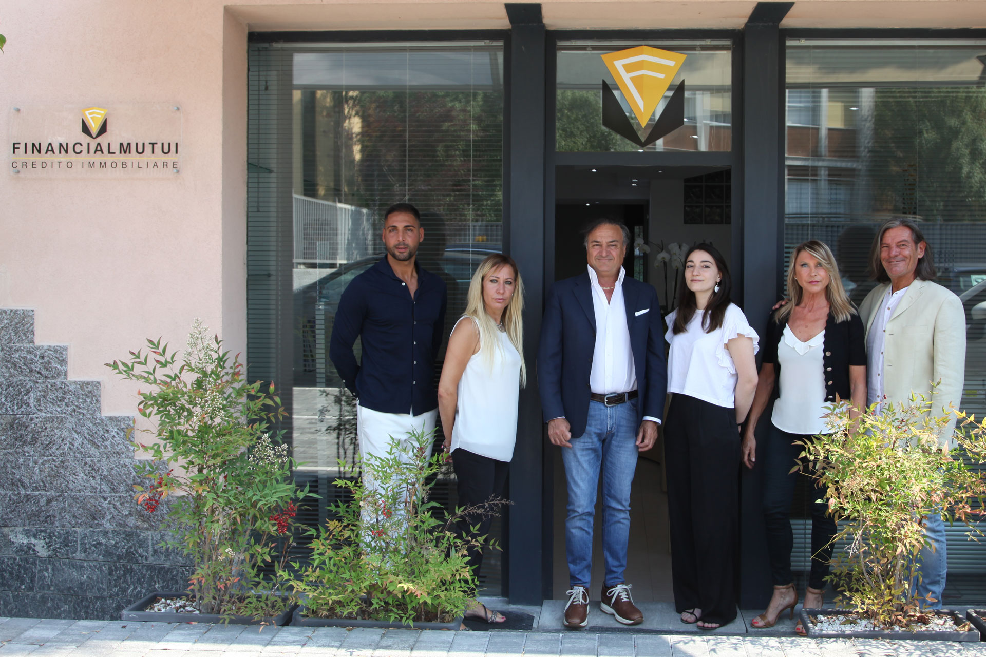 financial-mutui-varese-credito-immobiliare-foto-team-nuova-1-©-2021-luisa-papa-aimaproject-sa